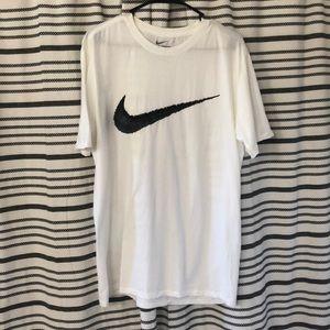 Nike short sleeve-tee